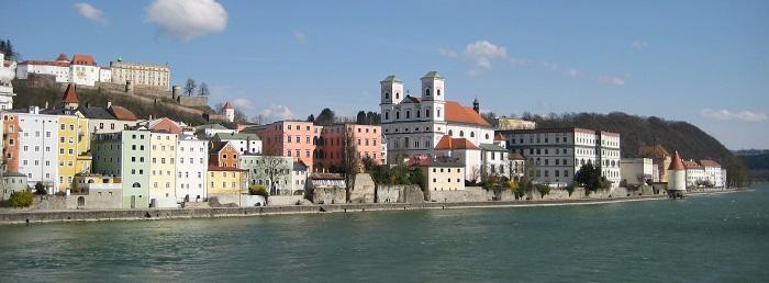 Пассау - тихий городок на берегу реки, где рос когда-то маленький Гитлер.