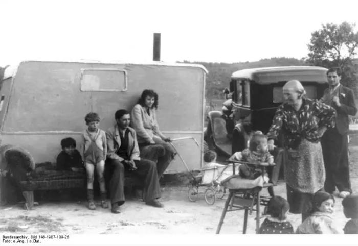 Ничто не могло спасти немецкого цыгана от лагеря: ни народная любовь, ни достижения, ни честная трудовая или предпринимательская биография.