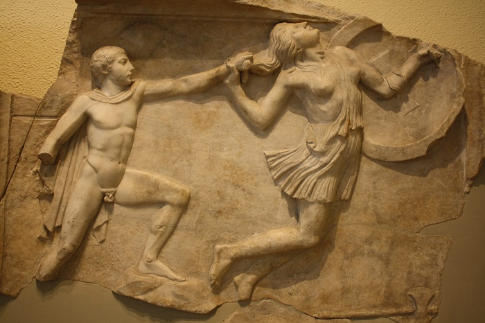 Греческий воин против амазонки.