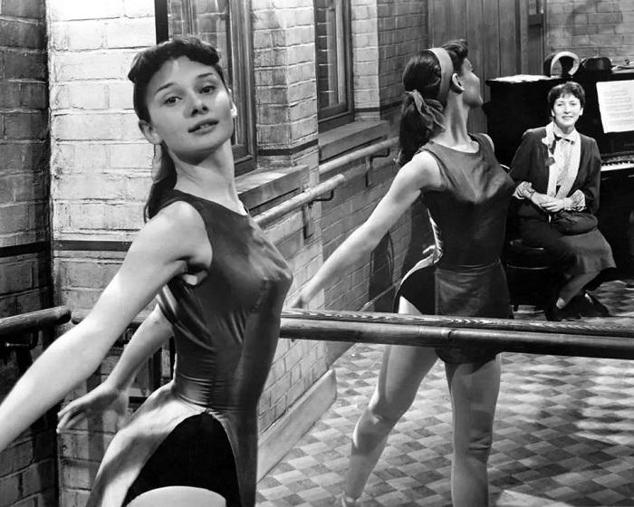 Одри Хепберн собиралась стать балериной, а не киноактрисой.