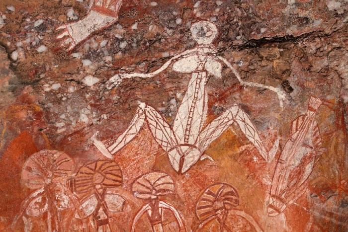 Наскальный рисунок аборигенов Австралии с мифологическим сюжетом. Но с другим.