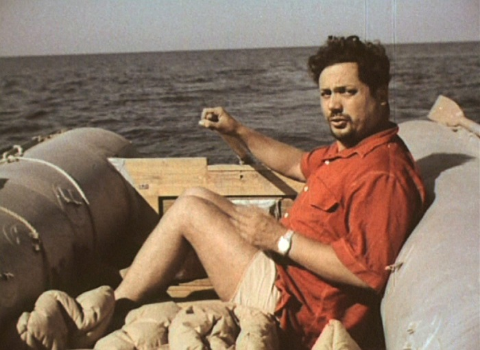 Ален Бомбар в открытом море.