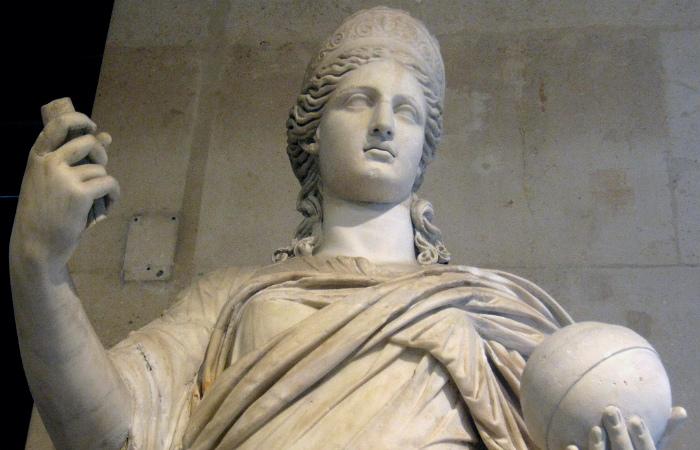 Богиня Юнона покровительствовала браку и деторождению, по поверьям древних римлян
