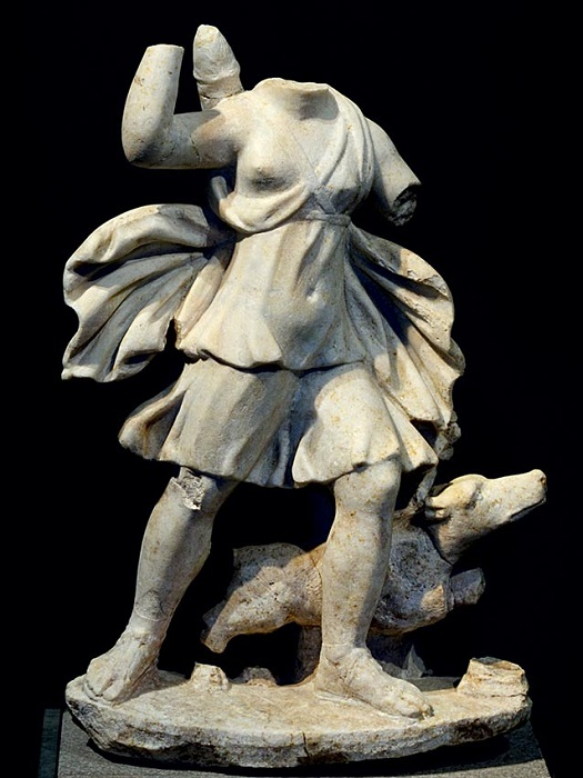Статуя Артемиды.