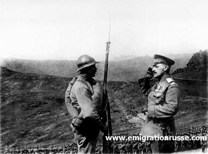 Генерал Максим Леонтьев на фронте Первой Мировой. Фото из Архива русских эмигрантов (смотри адрес на изображении).
