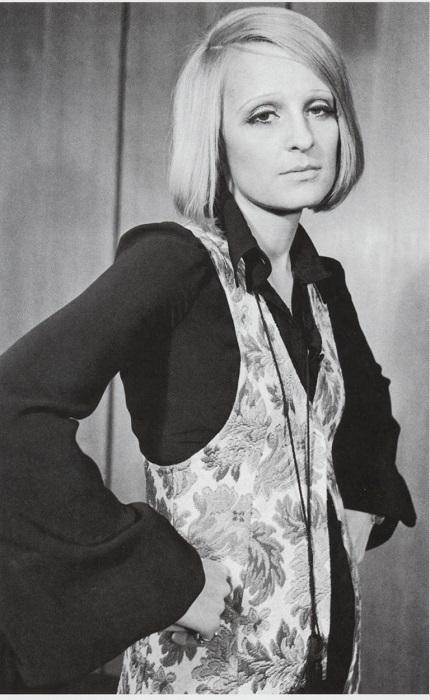 В отличие от Скиапарелли, Барбара Хуланики одевалась в том же стиле, который предлагала другим.