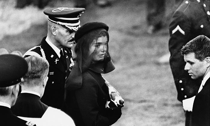 Жаклин Кеннеди на похоронах мужа.
