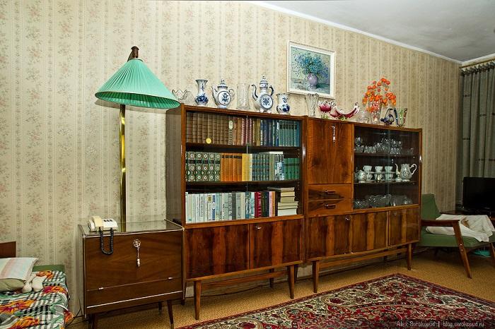 В разработке мебели учитывалась актуальная мировая мода. Сейчас этот стиль называют mid-century.
