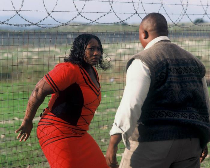 У чернокожей Кармен такие же, по сути, проблемы, как у белой или цыганки