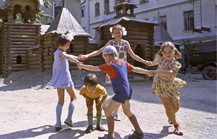 https://kulturologia.ru/files/u23285/children.jpg