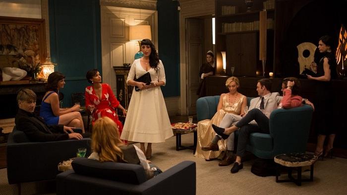 Горничную Марию выдают за даму круга её хозяйки. Кадр из фильма «Мадам». StudioCanal / Paris-based LGM.