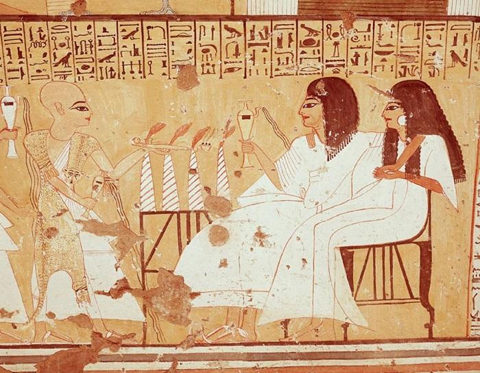 Право на инцест трактовалось и как показатель близости к богам, которым, как известно, кровосмесительство было дозволено.