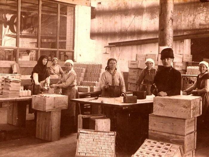 Работницы спичечной фабрики.