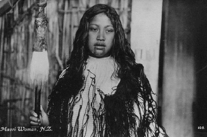 Фотография знатной девочки маори.