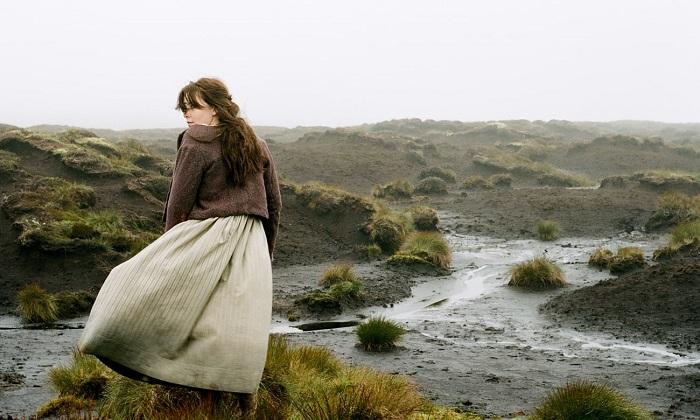 Кадр из сериала по Эмили Бронте.