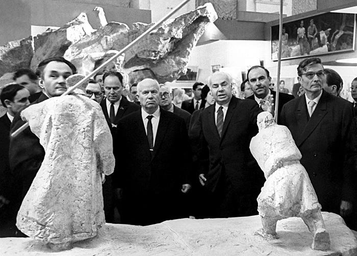 Хрущёв ценил не всяко искусство.