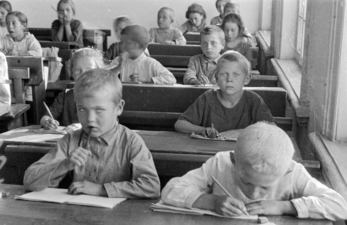 Немецкие дети в Поволжье.