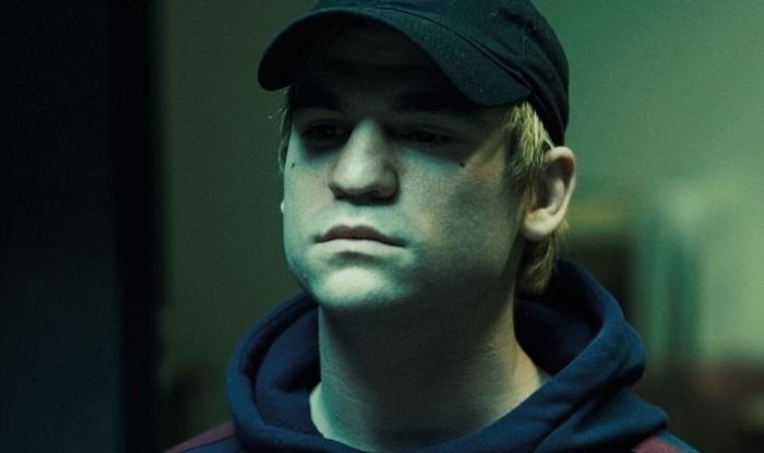 Кадр из фильма «Хамелеон» по мотивам истории Бурдена: Фредерик изображает Николаса.