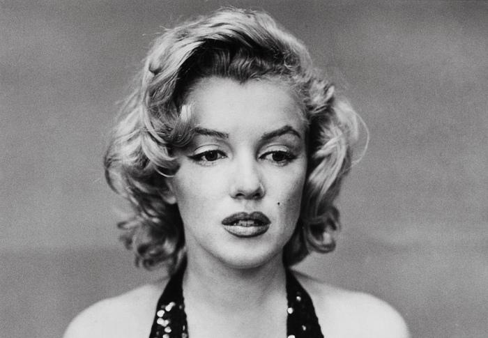 Опыт сексуального насилия пережили многие женщины, не исключая знаменитых. Среди них — Мерлин Монро, всю жизнь страдавшая от депрессии, панических атак и выбиравшая не тех мужчин.
