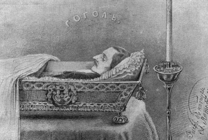 Тургенев открыто носил траур по Гоголю.