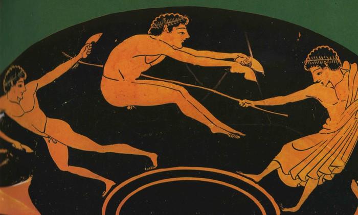 Чтобы участвовать в играх, мало было быть умелым спортсменом.