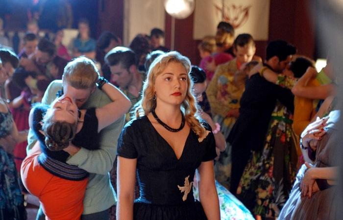 Кадр из фильма *Стиляги*.