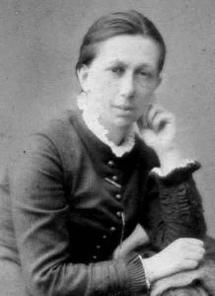 Несмотря на фамилию, Лермонтова увлекалась не поэзией, а химией.