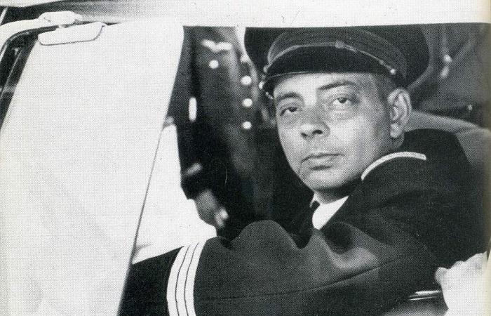 Сент-Экзюпери вымогал поцелуй Консуэло, угрожая разбить самолёт, в котором они оба летели.