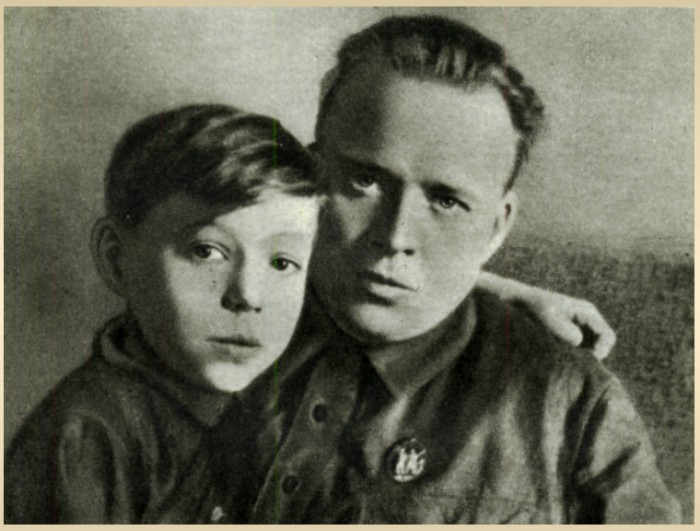 Тимур с отцом, Аркадием Гайдаром