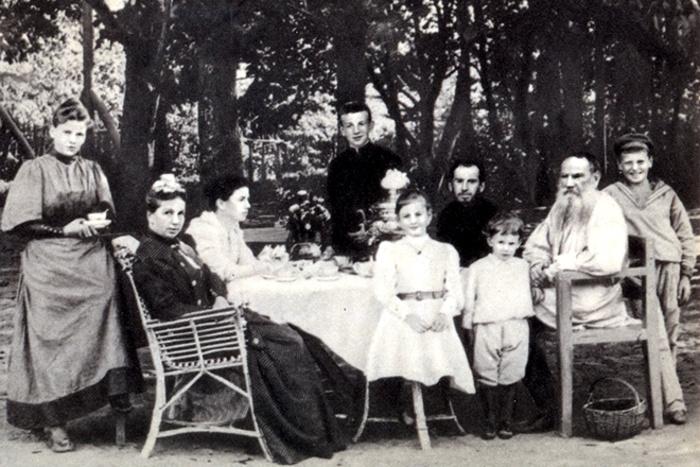 Три известных ребёнка трёх известных литераторов: чем они прославились.