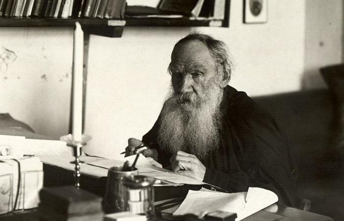 5 мифов о знаменитых россиянах, которые мы привыкли считать историческими фактами. Фотопортрет Льва Толстого.