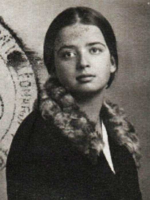 Гаяна Кузьмина-Караваева, старшая дочь Елизаветы Юрьевны.