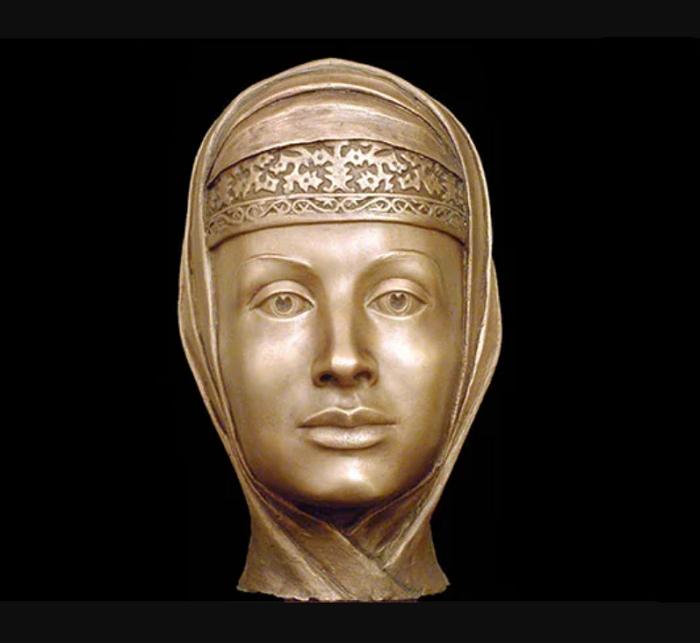 В наше время девушка с губами, как у Марфы Собакиной, стала бы царицей инстаграма.