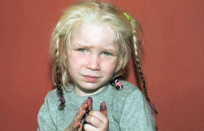 Белокурая Мария: тайны, стоявшие за девочкой, найденной в цыганском таборе в 2013 году.