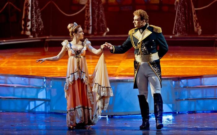 Сцена из рок-оперы «Юнона и Авось».