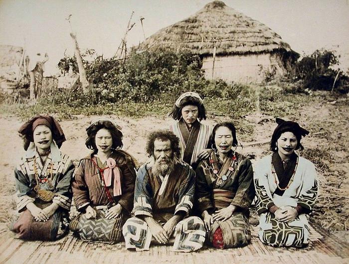 Белокожие айну: презираемые японцами, создавшие японскую культуру.
