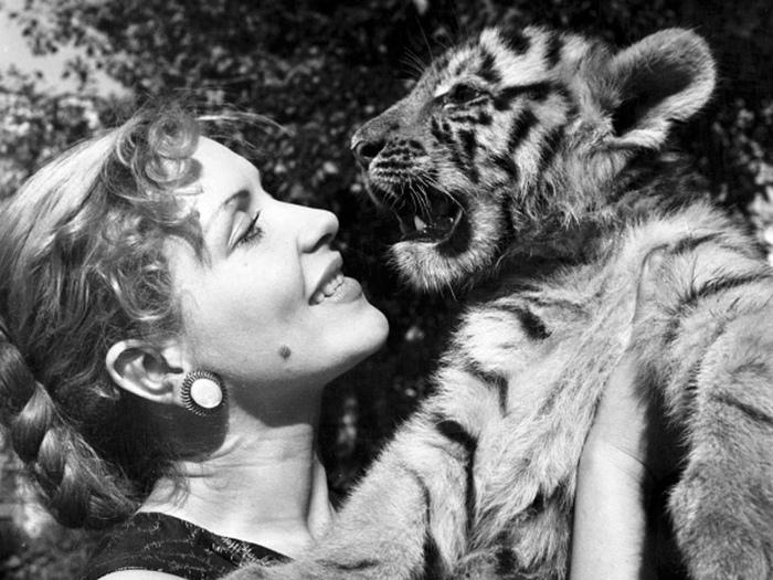 Своих тигров Назарова обожала.