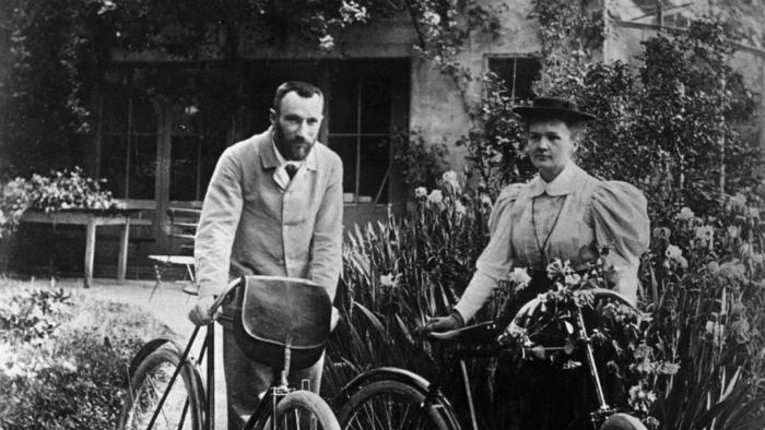 Фотография супругов Кюри из свадебного путешествия.