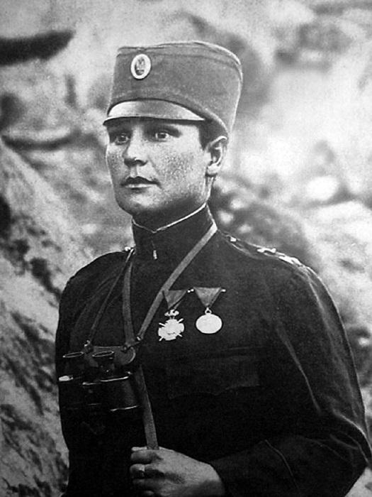 Во время Первой Мировой особых условий для женщин-военнослужащих не было, но это их не могло остановить.