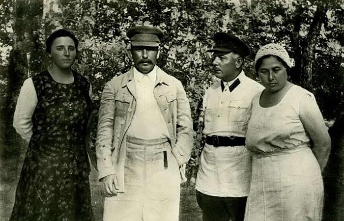 Кто пострадал от репрессий в большой семье Сталина и почему он никогда не вступался за близких.