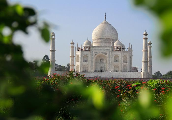 Тадж-Махал, самая знаменитая усыпальница Индии.