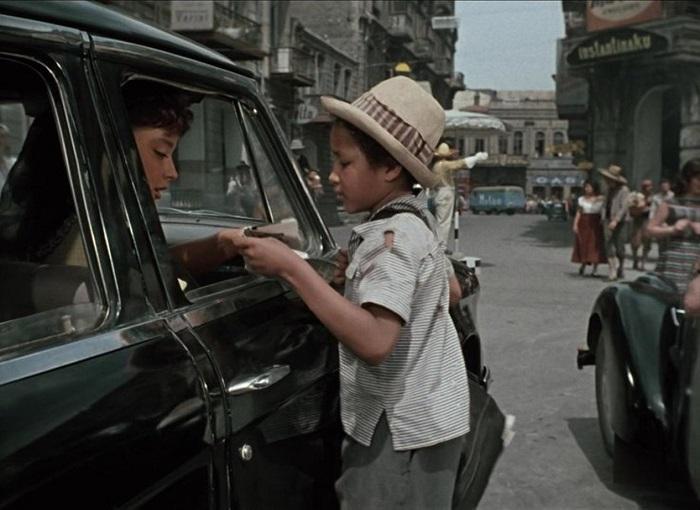 Тито Ромалио-младший был потомственным актёром и снимался с малых лет. А потом обучал других маленьких актёров.