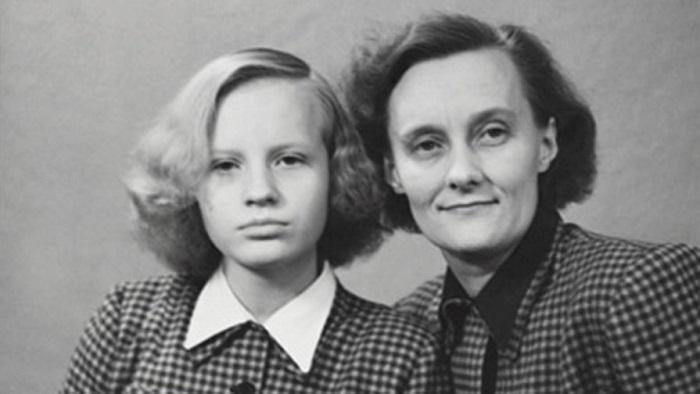 Астрид Линдгрен с дочкой Карин. В молодости писательница не очень-то активно проявляла себя вне дома и никогда не состояла ни в каких партиях.