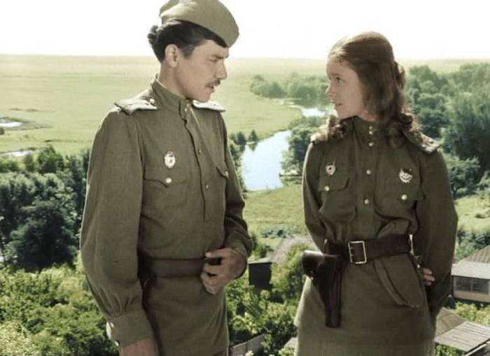 Даже на войне хочется влюбляться. Кадр из фильма.