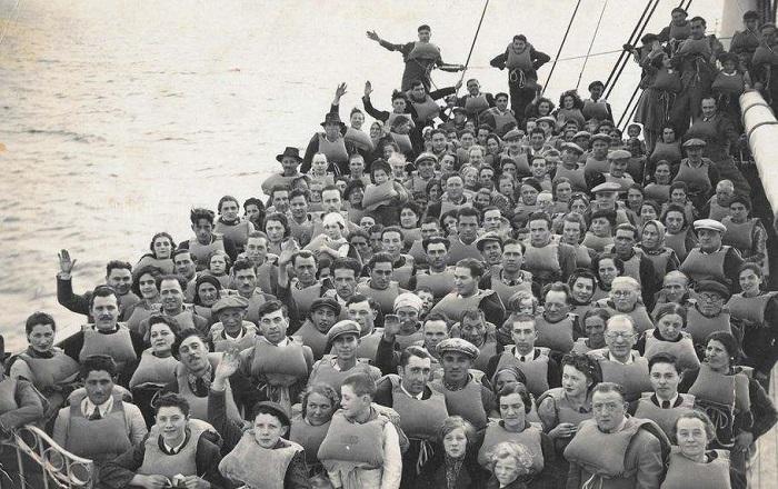 Поток иммигрантов в Аргентину одно время был очень широк.