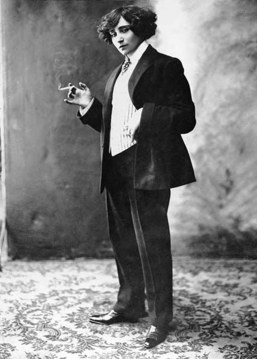 Жорж Санд утверждала, что ходит в мужском из бедности.