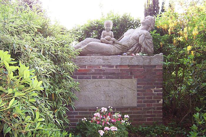 Надгробие Паулы Модерзон-Беккер.