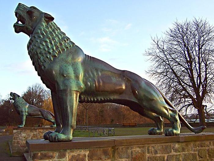Многие скульптуры Арно Брекера пережили Вторую мировую войну.