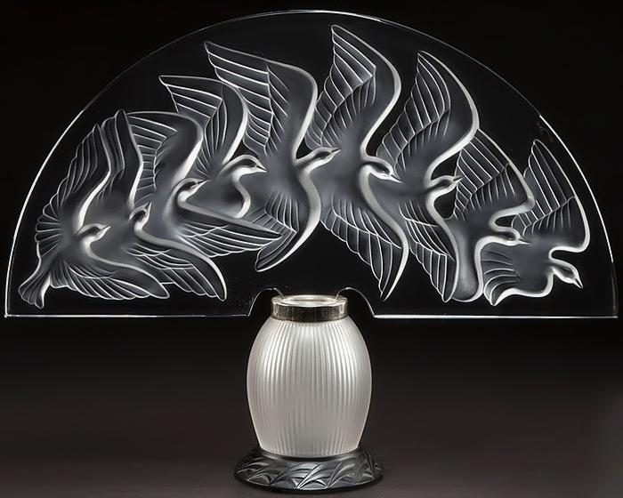 Рене Лалик экспериментировал с формами и материалами.