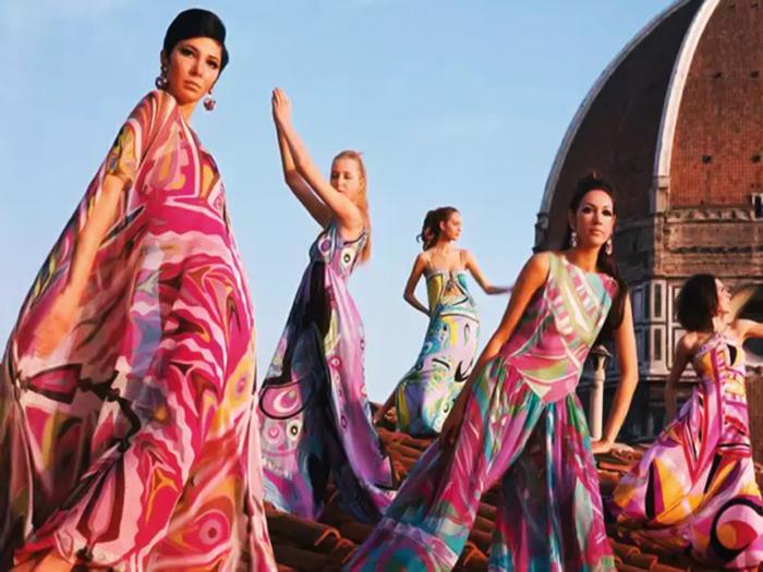 Коллекция платьев и костюмов Пуччи.